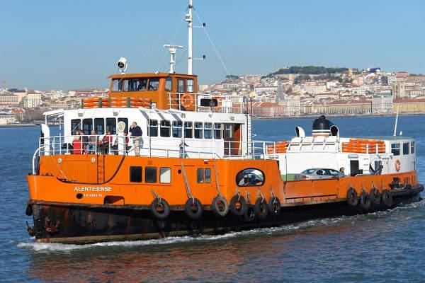 ferry lisboa cacilhas